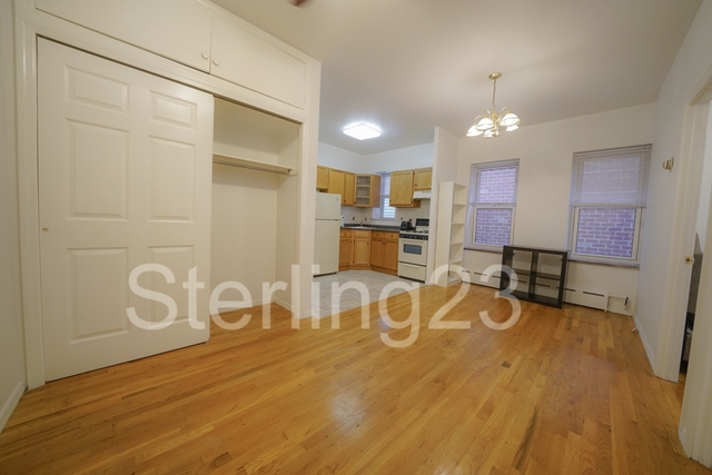 2 Bedrooms, Astoria Rental in NYC for $2,100 - Photo 2
