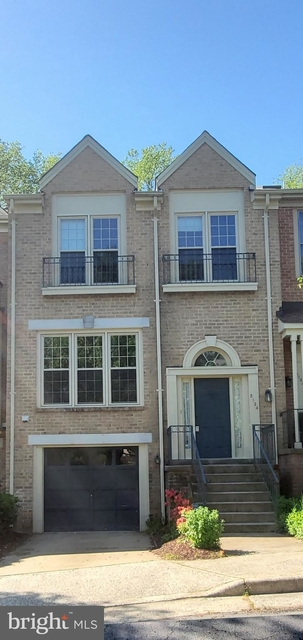 3 Bedrooms, Idylwood Rental in Washington, DC for $3,300 - Photo 1