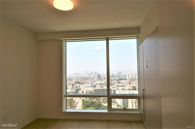 1 Bedroom, South Park Rental in Los Angeles, CA for $3,300 - Photo 2