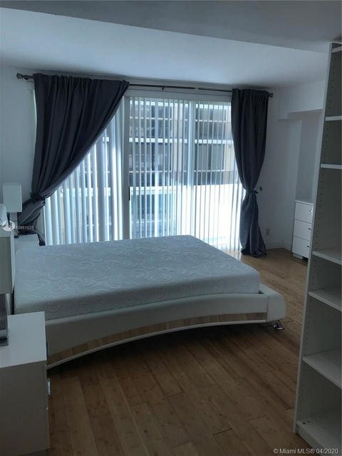 2 Bedrooms, Altos Del Mar Rental in Miami, FL for $2,450 - Photo 2