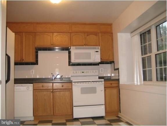 3 Bedrooms, Idylwood Rental in Washington, DC for $2,400 - Photo 2