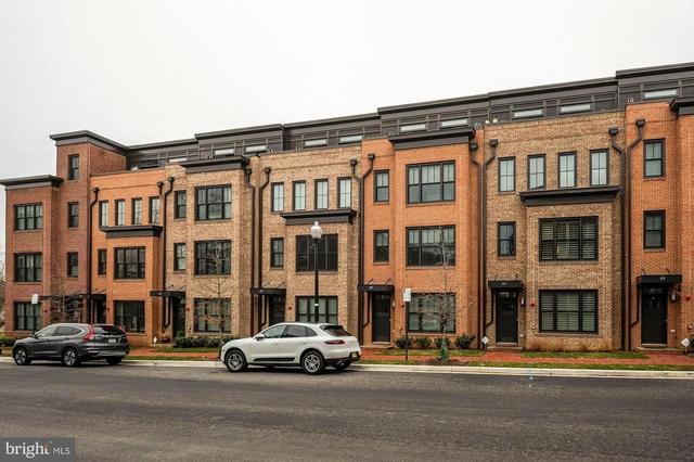 3 Bedrooms, Southwest Quadrant Rental in Washington, DC for $6,100 - Photo 2