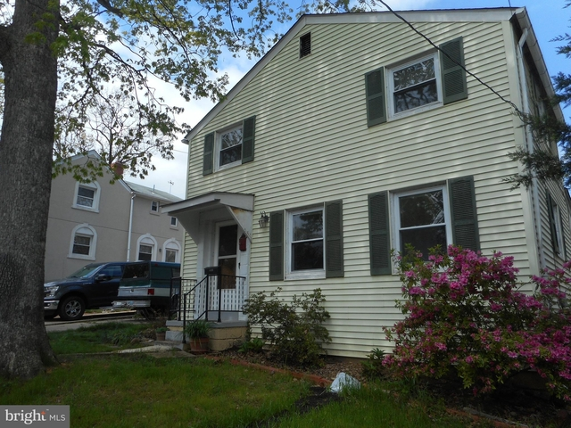 2 Bedrooms, Columbia Forest Rental in Washington, DC for $2,350 - Photo 1