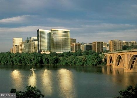 1 Bedroom, North Rosslyn Rental in Washington, DC for $3,950 - Photo 1