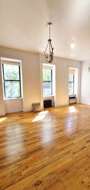 Loft, Hell's Kitchen Rental in NYC for $2,000 - Photo 1