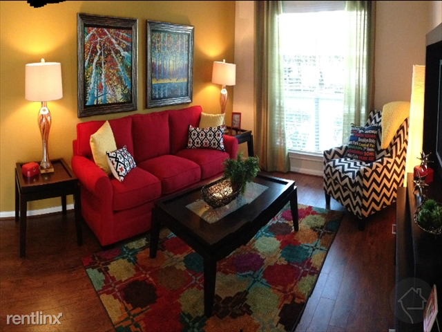 2 Bedrooms, Memorial Place Townhome Rental in Houston for $1,139 - Photo 1