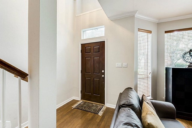 2 Bedrooms, Midtown Rental in Houston for $2,200 - Photo 2