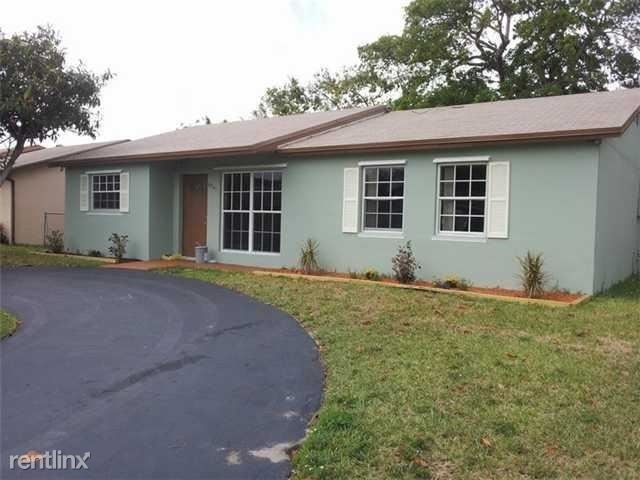 4 Bedrooms, North Margate Rental in Miami, FL for $2,300 - Photo 1