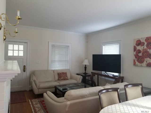 2 Bedrooms, Manhasset Rental in Long Island, NY for $3,250 - Photo 2