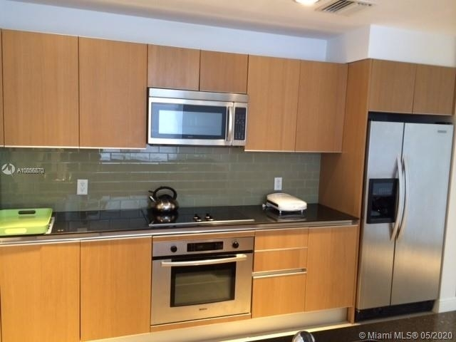 2 Bedrooms, Miami Financial District Rental in Miami, FL for $2,800 - Photo 1