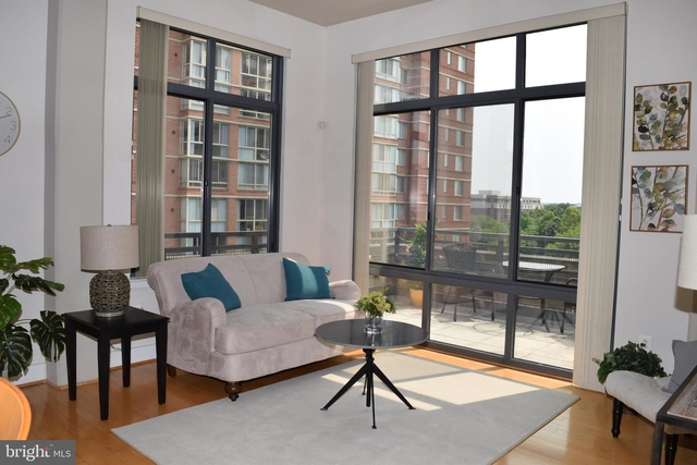 1 Bedroom, Carlyle Square Condominiums Rental in Washington, DC for $2,650 - Photo 1