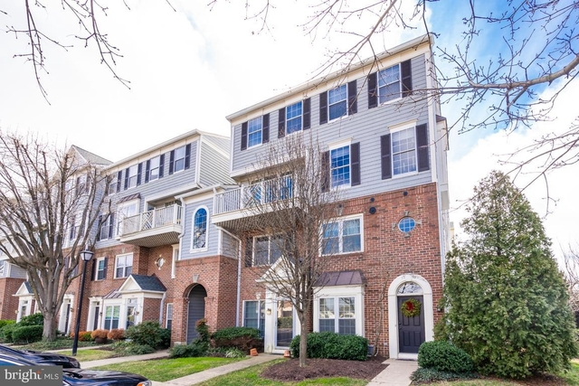 2 Bedrooms, Kingsgate Condominiums Rental in Washington, DC for $2,400 - Photo 1
