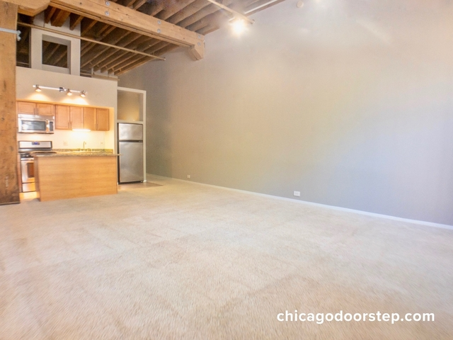 Studio, Old Town Rental in Chicago, IL for $1,935 - Photo 1