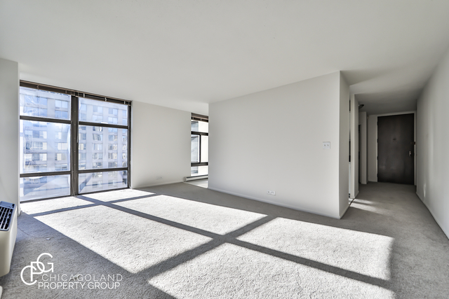 2 Bedrooms, Gold Coast Rental in Chicago, IL for $2,570 - Photo 1