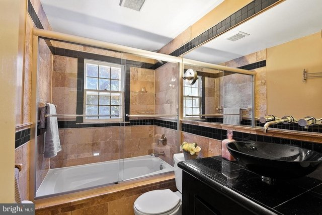 5 Bedrooms, West End Rental in Washington, DC for $3,500 - Photo 2