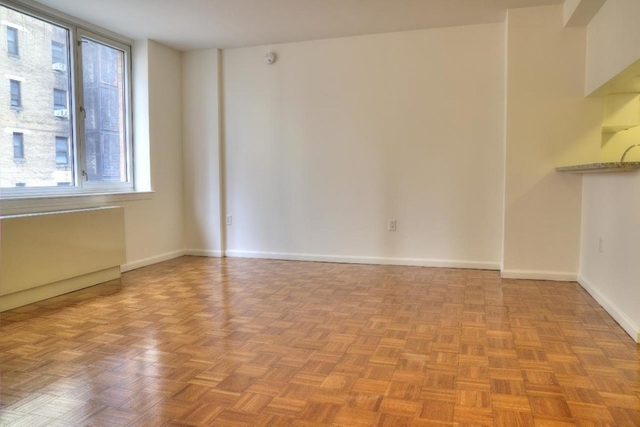 3 Bedrooms, Hell's Kitchen Rental in NYC for $4,292 - Photo 1
