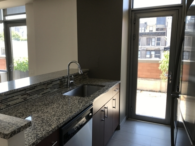 2 Bedrooms, Chelsea Rental in NYC for $6,691 - Photo 2