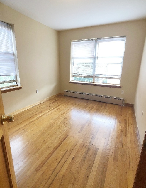 3 Bedrooms, Ditmars Rental in NYC for $2,500 - Photo 1