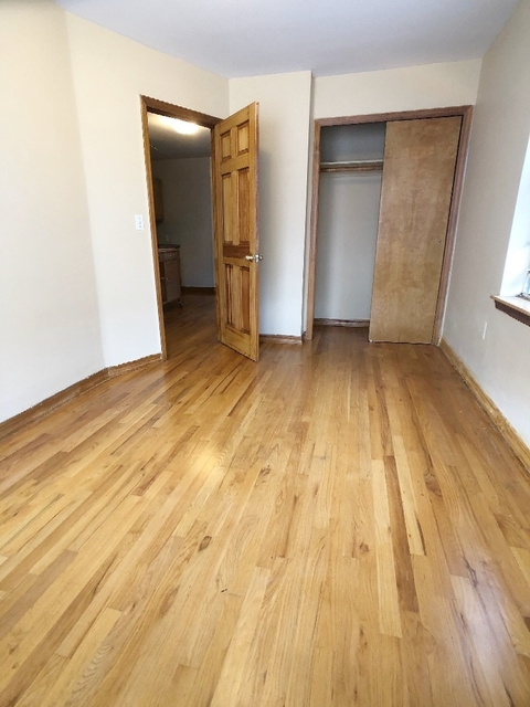 3 Bedrooms, Ditmars Rental in NYC for $2,500 - Photo 2