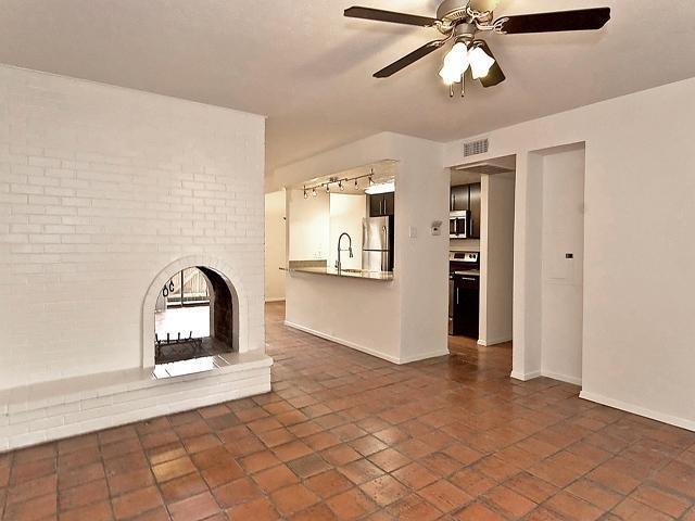 2 Bedrooms, Northeast Dallas Rental in Dallas for $1,450 - Photo 2