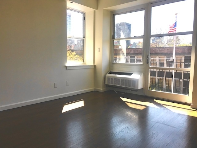 2 Bedrooms, Lower East Side Rental in NYC for $5,041 - Photo 2