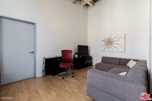 2 Bedrooms, South Park Rental in Los Angeles, CA for $4,000 - Photo 2