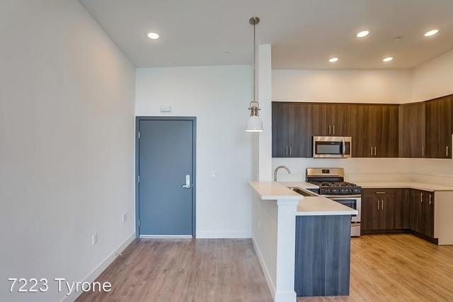 3 Bedrooms, Van Nuys Rental in Los Angeles, CA for $2,730 - Photo 2