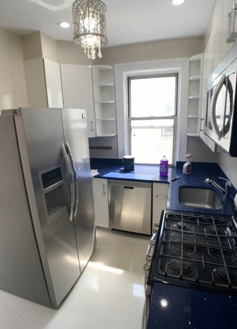 3 Bedrooms, Astoria Rental in NYC for $2,975 - Photo 2