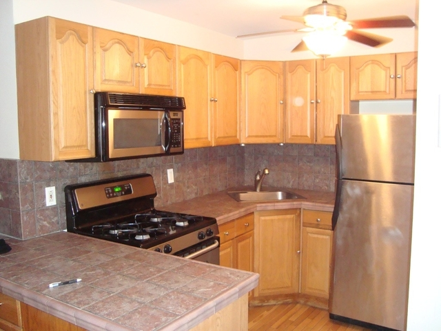 2 Bedrooms, Lincoln Square Rental in NYC for $3,995 - Photo 1