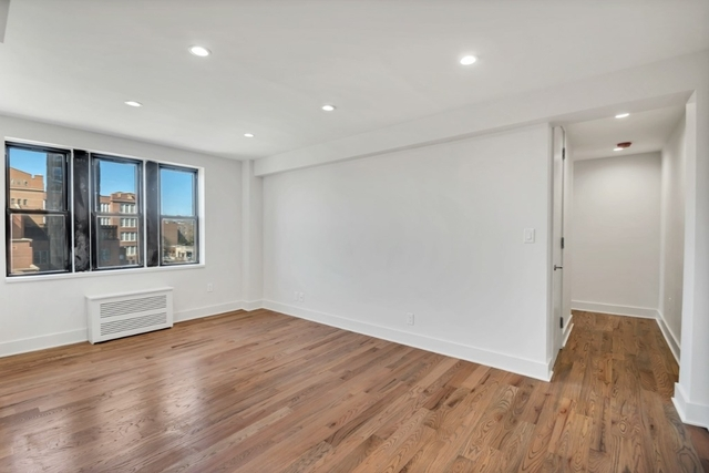 3 Bedrooms, Jackson Heights Rental in NYC for $2,895 - Photo 2