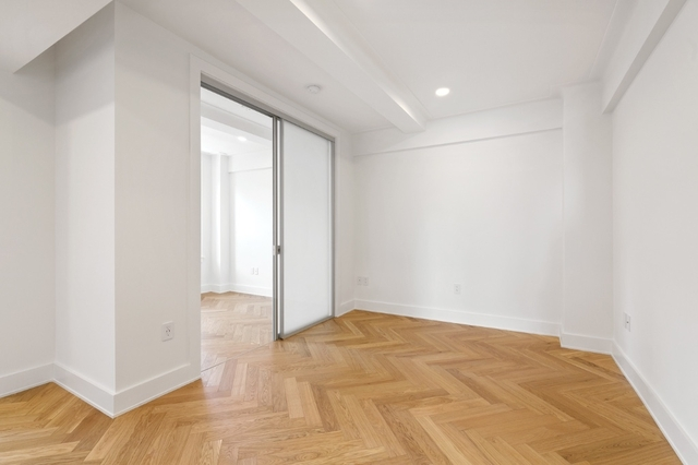 2 Bedrooms, Gramercy Park Rental in NYC for $4,685 - Photo 2