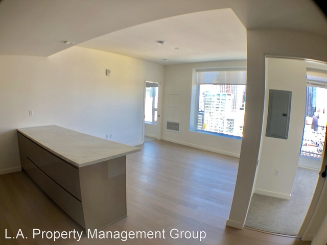 2 Bedrooms, South Park Rental in Los Angeles, CA for $3,650 - Photo 1