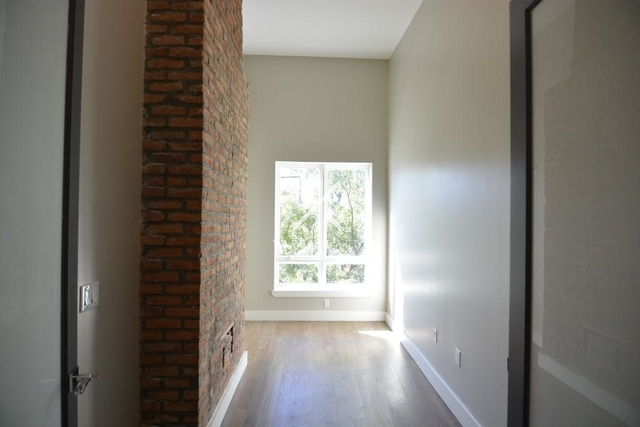 3 Bedrooms, Ridgewood Rental in NYC for $2,500 - Photo 2