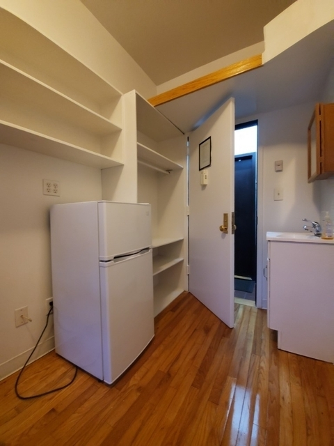 Studio, East Village Rental in NYC for $1,295 - Photo 2