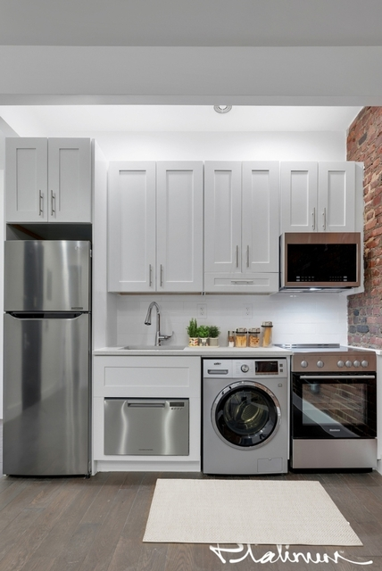 3 Bedrooms, Gramercy Park Rental in NYC for $4,895 - Photo 2