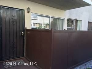 2 Bedrooms, Central Hollywood Rental in Los Angeles, CA for $2,500 - Photo 2