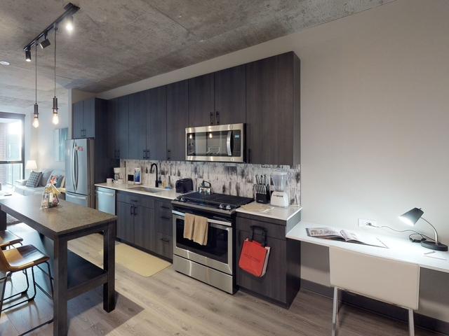 1 Bedroom, Fulton Market Rental in Chicago, IL for $2,690 - Photo 2