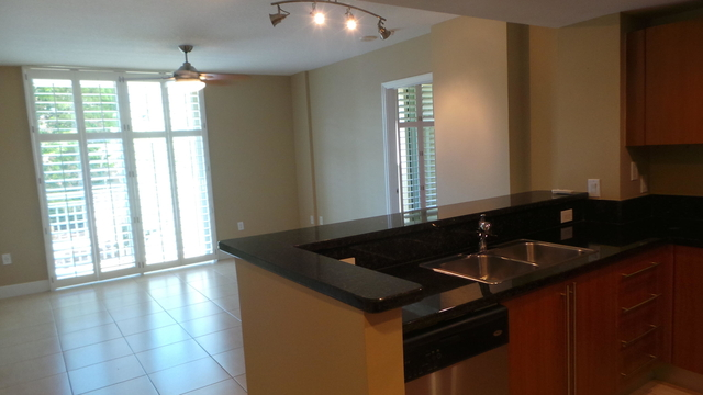 2 Bedrooms, Downtown West Palm Beach Rental in Miami, FL for $2,150 - Photo 2