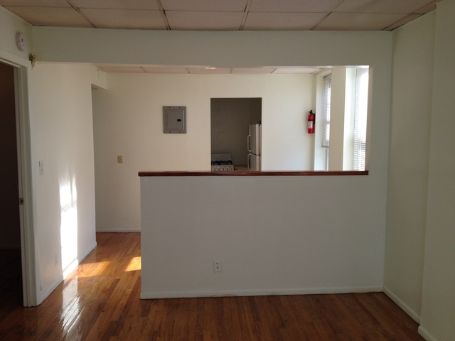 2 Bedrooms, Sunset Park Rental in NYC for $1,700 - Photo 2