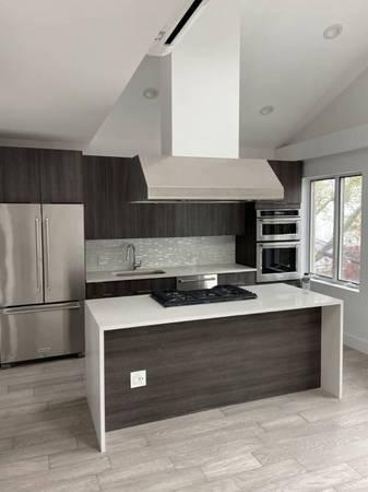 2 Bedrooms, Astoria Rental in NYC for $4,250 - Photo 1
