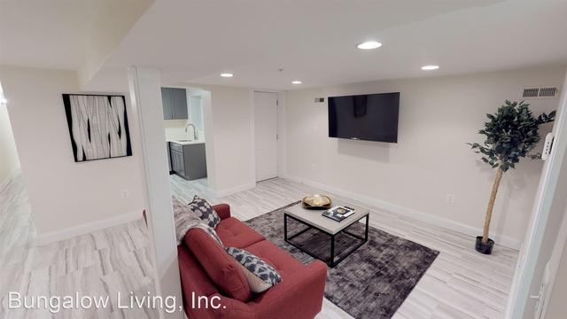 1 Bedroom, Columbia Heights Rental in Washington, DC for $1,390 - Photo 2
