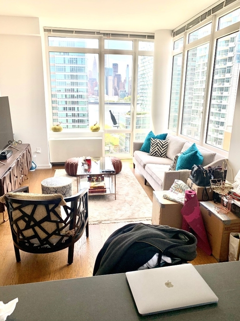 1 Bedroom, Hunters Point Rental in NYC for $3,600 - Photo 2