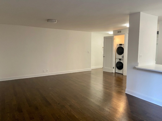2 Bedrooms, Sutton Place Rental in NYC for $5,365 - Photo 2