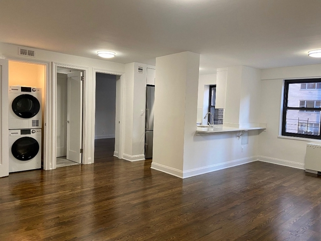 2 Bedrooms, Sutton Place Rental in NYC for $5,365 - Photo 1