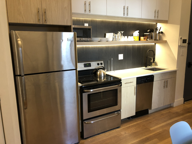 2 Bedrooms, Williamsburg Rental in NYC for $3,450 - Photo 2