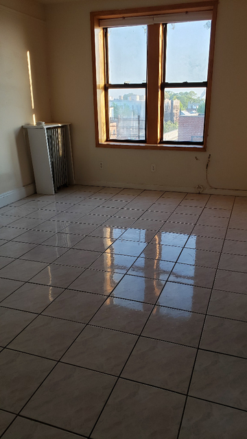 2 Bedrooms, Dyker Heights Rental in NYC for $1,750 - Photo 1