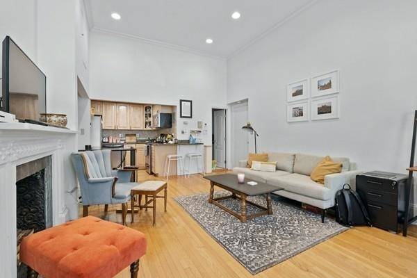 2 Bedrooms, Back Bay East Rental in Boston, MA for $4,250 - Photo 1
