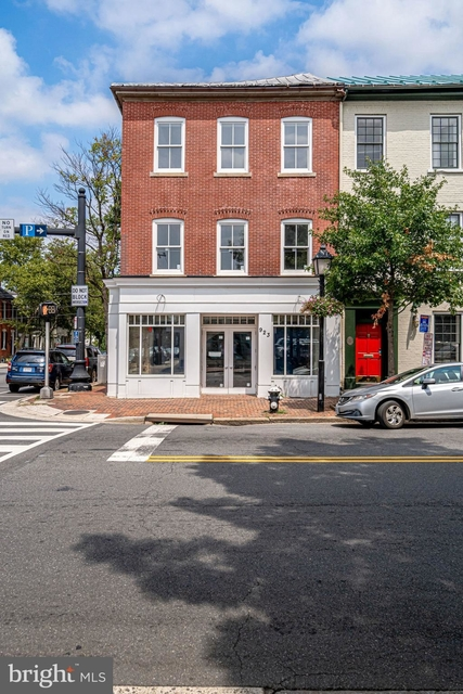 1 Bedroom, Ten Thousand Village Rental in Washington, DC for $3,000 - Photo 2