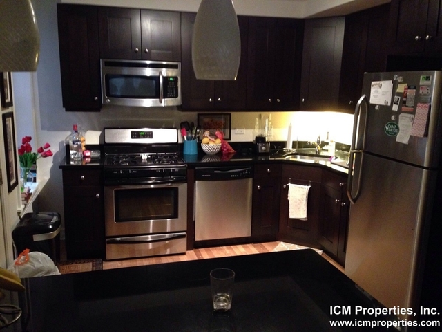 2 Bedrooms, Lakeview Rental in Chicago, IL for $1,975 - Photo 1
