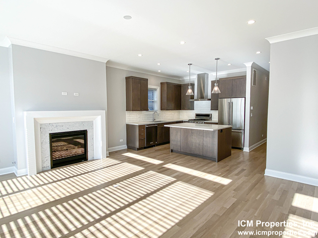 2 Bedrooms, Lakeview Rental in Chicago, IL for $3,595 - Photo 1